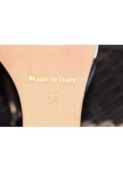 Sandały na koturnie w kropki Włochy